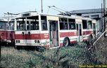 Vyřazená Škoda 14 Tr ev.č. 346 odstavená spolu s vyřaznými trolejbusy 9 Tr v tramvajové vozovně Slovany. - 27.10.1988