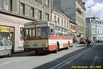 Škoda 14 Tr ev.č. 434 vyjíždí ze zastávky Tylova. - 28.3.1997