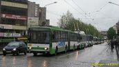 Škoda 15 Tr ev.č. 464 v čele rozjíždějícího se konvoje po obnovení provozu na Americké. - 14.5.2010