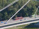 Autobusy směřující ze sídliště Petržalka na Novém mostě. - 8.7.2010
