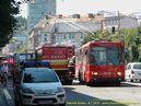 Škoda 14 Tr ev.č. 6274 vjíždí do, z důvody nehody přesunuté, zastávky Karpatská. - 9.7.2010