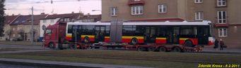 Pohled na další kastli hradeckou kastli 31 Tr na trajleru na Slovanech. - 8.2.2011