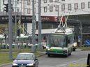 Škoda 21 Tr ACI ev.č. 491 v čele zpožděných trolejbusů míří na most U Jána. - 18.6.2011