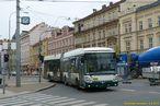 Škoda 25 Tr ev.č. 522 z Klatovské třídy zatáčí na svoji obvyklou trasu na Americkou. - 8.4.2012