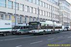 Škoda 27 Tr ev.č. 539 projíždí kolem připravených policejních vozidel na náměstí Emila Škody. - 28.10.2013