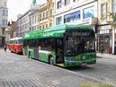Při Dnech vědy a techniky je na náměstí Republiky vystaven jak hybridní autobus Škoda H12, tak i historický autobus RTO patřící PMDP. - 14.9.2013