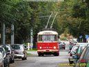 """""""Devítka"""" při historických jízdách využívá běžně téměř nepoužívanou blokovou točnu u Hospicu. - 21.9.2013"""