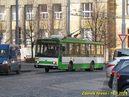 Vůz 435 zatáčí z Kopeckého sadů do Goethovy ulice. - 14.3.2014