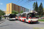 Na koneèné sídlištì Bory probìhlo setkání dvou typických vozidel pro linku 16. V minulosti to byly 15 Tr, nyní 27 Tr. - 2.5.2015